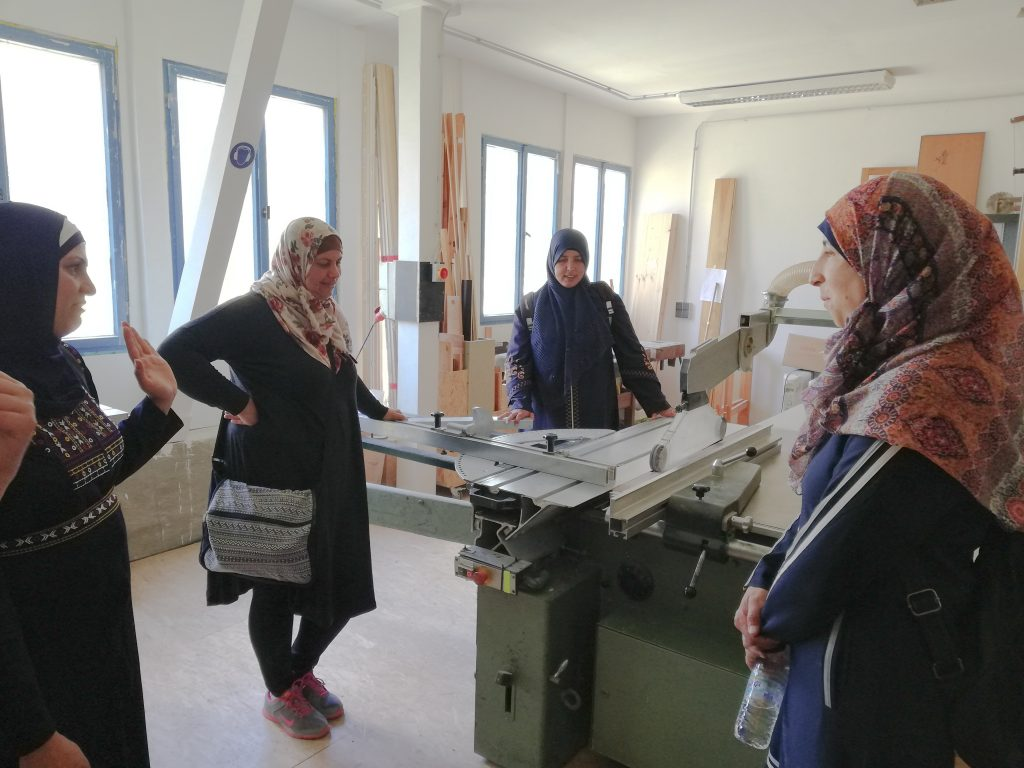 Al Walajeh trifft Klimawerkstatt Werder in der Holzwerkstatt
